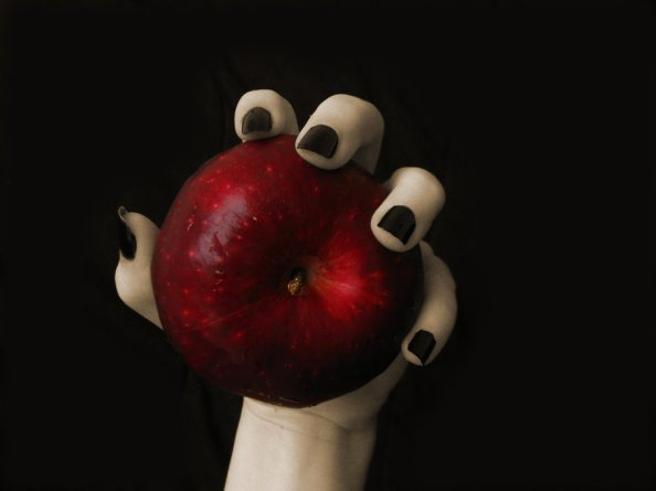 Witch_hand_on_Apple_by_MarinaAvila